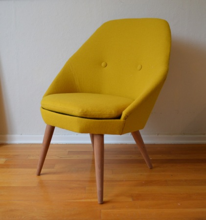 Gul spjelka stol ferdig
